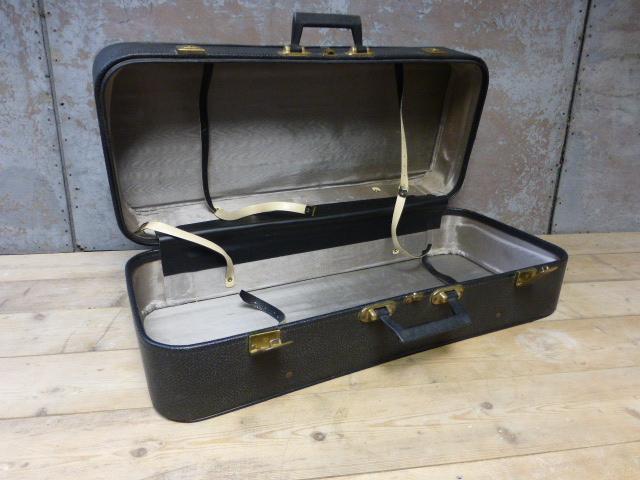 vintage cheney koffer. Black Bedroom Furniture Sets. Home Design Ideas