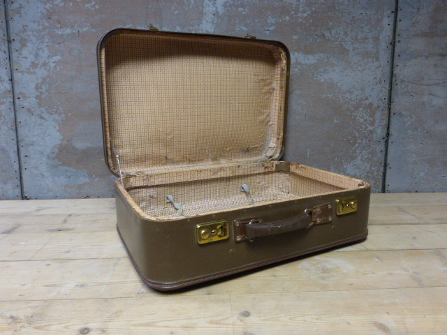 vintage koffer 1. Black Bedroom Furniture Sets. Home Design Ideas