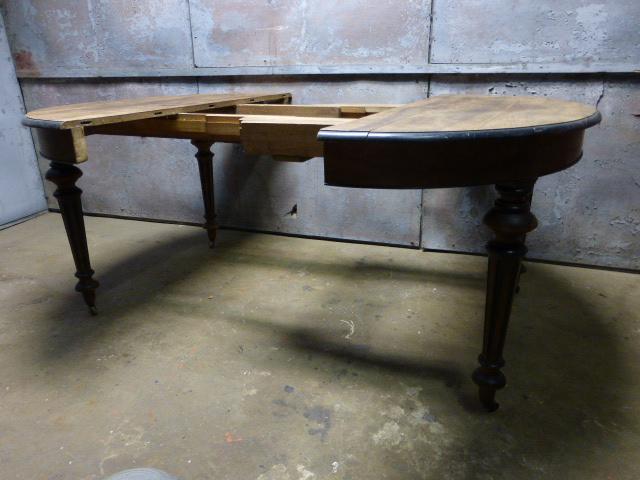 Antieke Uitschuifbare Eettafel.Uitschuifbare Antieke Tafel