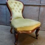 antieke damesstoel nursing chair