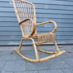 Vintage rotan schommelstoel design retro