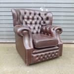 oude lederen chesterfield stoel