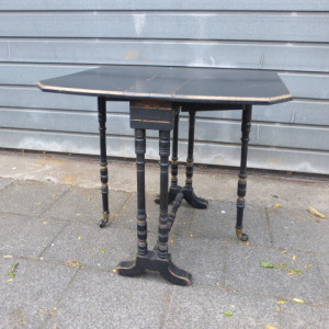 ebonised antiek tafeltje gezwart